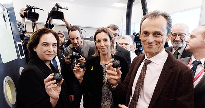 El ministre Pedro Duque inaugura la primera incubadora europea de projectes empresarials d'impressió 3D