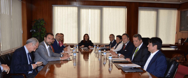 Primera reunió de treball dels delegats de zones franques i la subsecretària d'Hisenda a Cadis